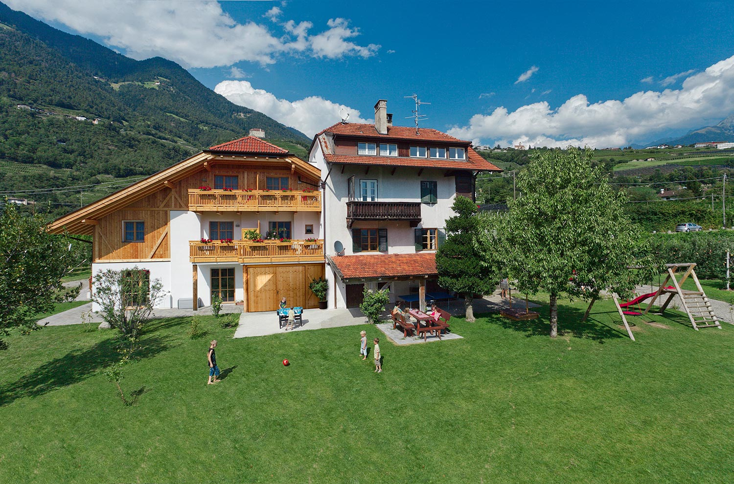 Neuhauserhof − farm Holidays in Merano